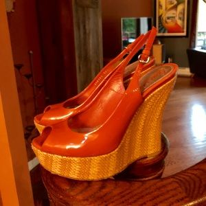 Stylish Gucci Coral and Wicker Designer Wedge